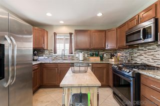 Photo 7: SPRING VALLEY House for sale : 3 bedrooms : 936 Sacramento Ave