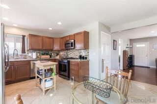 Photo 9: SPRING VALLEY House for sale : 3 bedrooms : 936 Sacramento Ave
