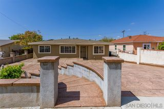 Photo 3: SPRING VALLEY House for sale : 3 bedrooms : 936 Sacramento Ave