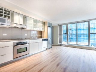 Photo 2: 309 168 POWELL STREET in Vancouver: Downtown VE Condo for sale (Vancouver East)  : MLS®# R2439616