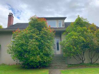 Main Photo: 2050 W 16TH Avenue in Vancouver: Shaughnessy House for sale (Vancouver West)  : MLS®# R2471978