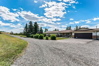 Photo 1: 32158 402 Avenue W: Rural Foothills County Detached for sale : MLS®# A1029256