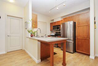 """Photo 4: 305 33318 E BOURQUIN Crescent in Abbotsford: Central Abbotsford Condo for sale in """"Nature's Gate"""" : MLS®# R2515810"""