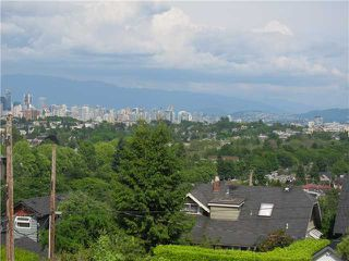 Photo 2: 3841 W 13TH Avenue in Vancouver: Point Grey House for sale (Vancouver West)  : MLS®# V894482