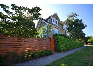 Photo 2: 3995 W 20TH Avenue in Vancouver: Dunbar House for sale (Vancouver West)  : MLS®# V901993