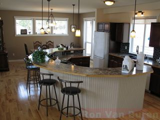 Photo 2: 328 Basalt Drive in Logan Lake: House for sale : MLS®# 108339