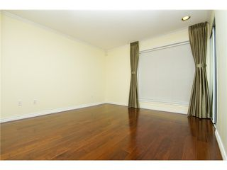 Photo 4: 207 7168 OAK Street in Vancouver: South Cambie Condo for sale (Vancouver West)  : MLS®# V926190