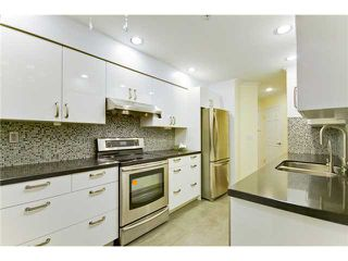 Photo 3: 207 7168 OAK Street in Vancouver: South Cambie Condo for sale (Vancouver West)  : MLS®# V926190