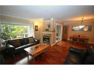 Photo 3: 4 227 E 11TH Street in North Vancouver: Central Lonsdale Townhouse for sale : MLS®# V1001342