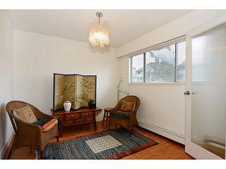 "Photo 12: 835 E 32ND Avenue in Vancouver: Fraser VE House for sale in ""FRASER"" (Vancouver East)  : MLS®# V1056460"