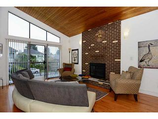 "Photo 4: 835 E 32ND Avenue in Vancouver: Fraser VE House for sale in ""FRASER"" (Vancouver East)  : MLS®# V1056460"