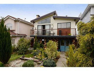 "Photo 1: 835 E 32ND Avenue in Vancouver: Fraser VE House for sale in ""FRASER"" (Vancouver East)  : MLS®# V1056460"