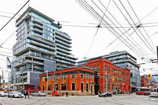 Photo 2: 18 95 Bathurst Street in Toronto: Waterfront Communities C1 Condo for lease (Toronto C01)  : MLS®# C3122316