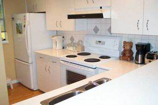 Photo 3: 3531 W 8TH Ave in Vancouver: Kitsilano House 1/2 Duplex for sale (Vancouver West)  : MLS®# V609715
