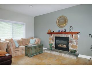 Photo 3: 3905 ROBIN Place in Port Coquitlam: Oxford Heights Home for sale ()  : MLS®# V892202