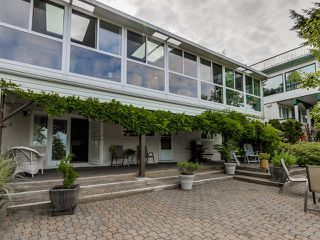 Photo 2: 395 N GLYNDE Avenue in Burnaby: Capitol Hill BN House for sale (Burnaby North)  : MLS®# V1130942