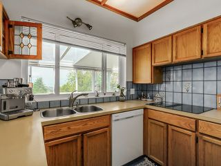 Photo 12: 395 N GLYNDE Avenue in Burnaby: Capitol Hill BN House for sale (Burnaby North)  : MLS®# V1130942