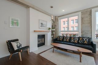 "Photo 4: 209 1216 HOMER Street in Vancouver: Yaletown Condo for sale in ""THE MURCHIES BUILDING"" (Vancouver West)  : MLS®# R2003084"