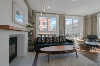 "Photo 3: 209 1216 HOMER Street in Vancouver: Yaletown Condo for sale in ""THE MURCHIES BUILDING"" (Vancouver West)  : MLS®# R2003084"