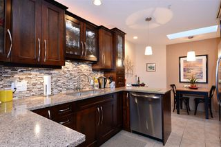 "Photo 3: 302 1440 GEORGE Street: White Rock Condo for sale in ""Georgian Square"" (South Surrey White Rock)  : MLS®# R2022252"