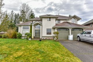 Photo 1: 13678 58TH Avenue in Surrey: Panorama Ridge House for sale : MLS®# R2036033