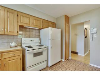 Photo 10: 129 FAIRVIEW Crescent SE in Calgary: Fairview House for sale : MLS®# C4062150