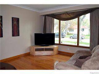 Photo 2: 384 Enniskillen Avenue in Winnipeg: West Kildonan / Garden City Residential for sale (North West Winnipeg)  : MLS®# 1611697