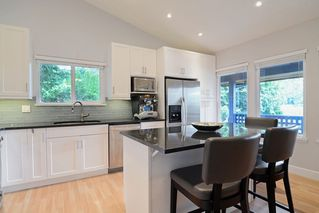 Photo 4: 296 MARINER Way in Coquitlam: Coquitlam East House for sale : MLS®# R2079953