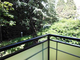 """Photo 14: 301 360 E 2ND Street in North Vancouver: Lower Lonsdale Condo for sale in """"Emerald Manor"""" : MLS®# R2084102"""