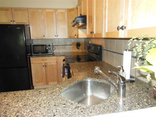 """Photo 7: 301 360 E 2ND Street in North Vancouver: Lower Lonsdale Condo for sale in """"Emerald Manor"""" : MLS®# R2084102"""