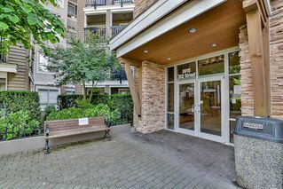 Photo 3: 429 8915 202 Street in Langley: Walnut Grove Condo for sale : MLS®# R2084167