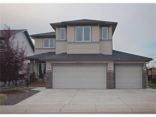 Photo 1: 135 DRAKE LANDING Manor: Okotoks House for sale : MLS®# C4073108