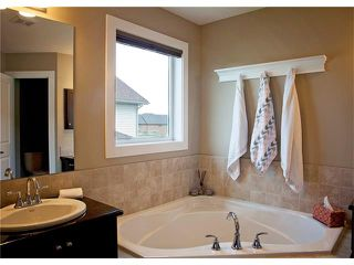 Photo 27: 135 DRAKE LANDING Manor: Okotoks House for sale : MLS®# C4073108