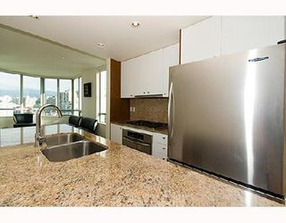 Photo 6: 1506 1005 BEACH Ave: West End VW Home for sale ()  : MLS®# V667512