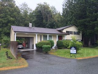 Photo 2: 40390 PARK Crescent in Squamish: Garibaldi Estates House for sale : MLS®# R2105093