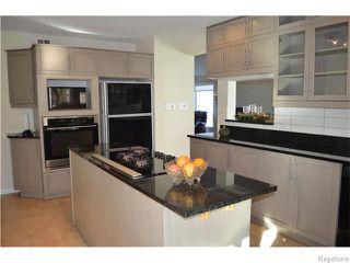 Photo 5: 826 Kilkenny Drive in Winnipeg: Fort Richmond Residential for sale (1K)  : MLS®# 1621110