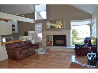 Photo 2: 826 Kilkenny Drive in Winnipeg: Fort Richmond Residential for sale (1K)  : MLS®# 1621110