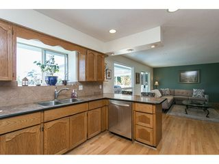 Photo 3: 12958 SOUTHRIDGE Drive in Surrey: Panorama Ridge House for sale : MLS®# R2114731