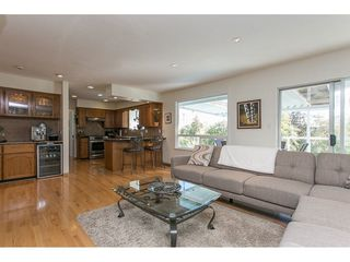 Photo 6: 12958 SOUTHRIDGE Drive in Surrey: Panorama Ridge House for sale : MLS®# R2114731