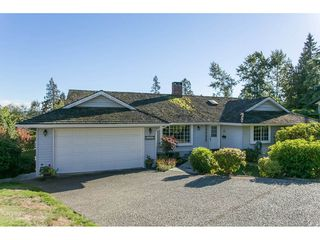 Photo 1: 12958 SOUTHRIDGE Drive in Surrey: Panorama Ridge House for sale : MLS®# R2114731