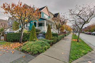 "Photo 2: 2 6333 PRINCESS Lane in Richmond: Steveston South Townhouse for sale in ""LONDON LANDING"" : MLS®# R2122942"