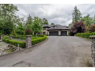 Photo 2: 4138 PRAIRIE Street in Abbotsford: Matsqui House for sale : MLS®# R2124329