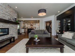 Photo 9: 4138 PRAIRIE Street in Abbotsford: Matsqui House for sale : MLS®# R2124329