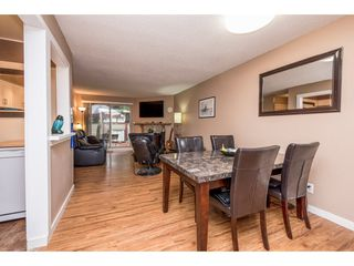 "Photo 8: 10531 HOLLY PARK Lane in Surrey: Guildford Townhouse for sale in ""HOLLY PARK LANE"" (North Surrey)  : MLS®# R2147163"