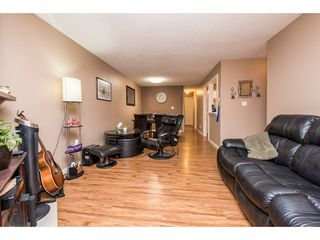 "Photo 6: 10531 HOLLY PARK Lane in Surrey: Guildford Townhouse for sale in ""HOLLY PARK LANE"" (North Surrey)  : MLS®# R2147163"