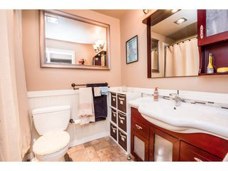 "Photo 16: 10531 HOLLY PARK Lane in Surrey: Guildford Townhouse for sale in ""HOLLY PARK LANE"" (North Surrey)  : MLS®# R2147163"