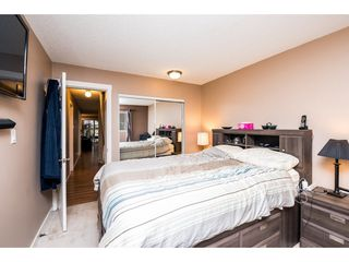 "Photo 18: 10531 HOLLY PARK Lane in Surrey: Guildford Townhouse for sale in ""HOLLY PARK LANE"" (North Surrey)  : MLS®# R2147163"