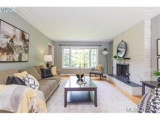 Photo 6: 1155 Royal Oak Drive in VICTORIA: SE Sunnymead Single Family Detached for sale (Saanich East)  : MLS®# 377740