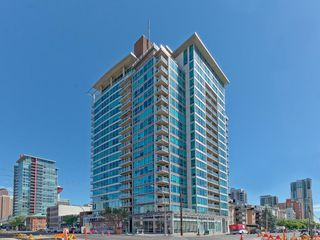 Photo 1: 2004 188 15 Avenue SW in Calgary: Beltline Condo for sale : MLS®# C4125484