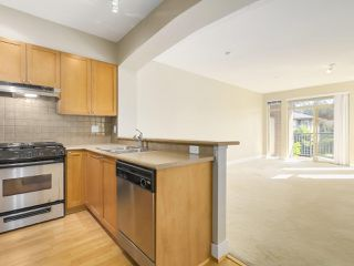 "Photo 2: 311 2280 WESBROOK Mall in Vancouver: University VW Condo for sale in ""KEATS HALL"" (Vancouver West)  : MLS®# R2193319"
